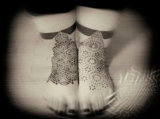 ellie feet.jpg